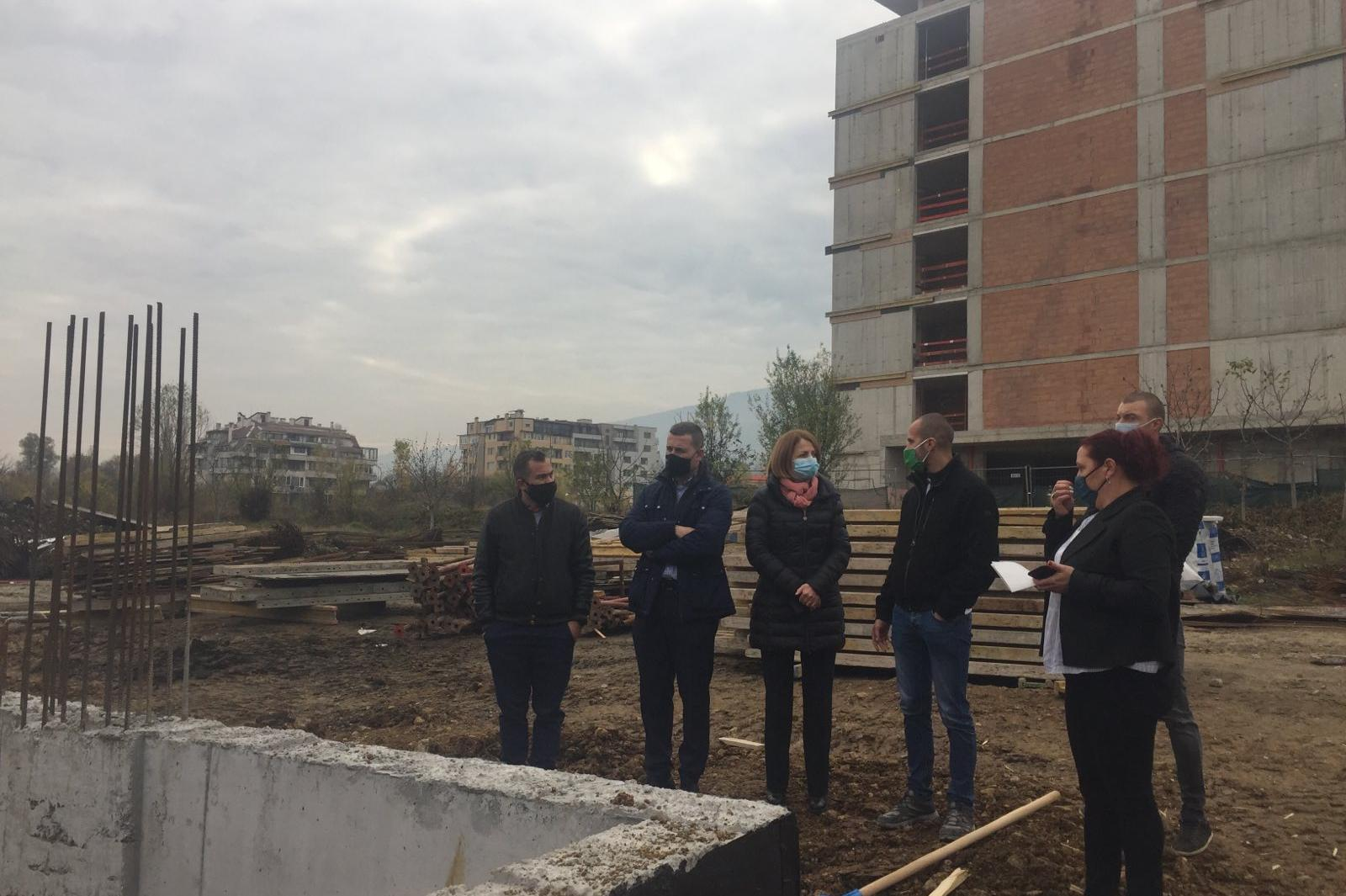 """Бързо напредва строежът на детската градина в """"Манастирски ливади"""" (СНИМКИ)"""