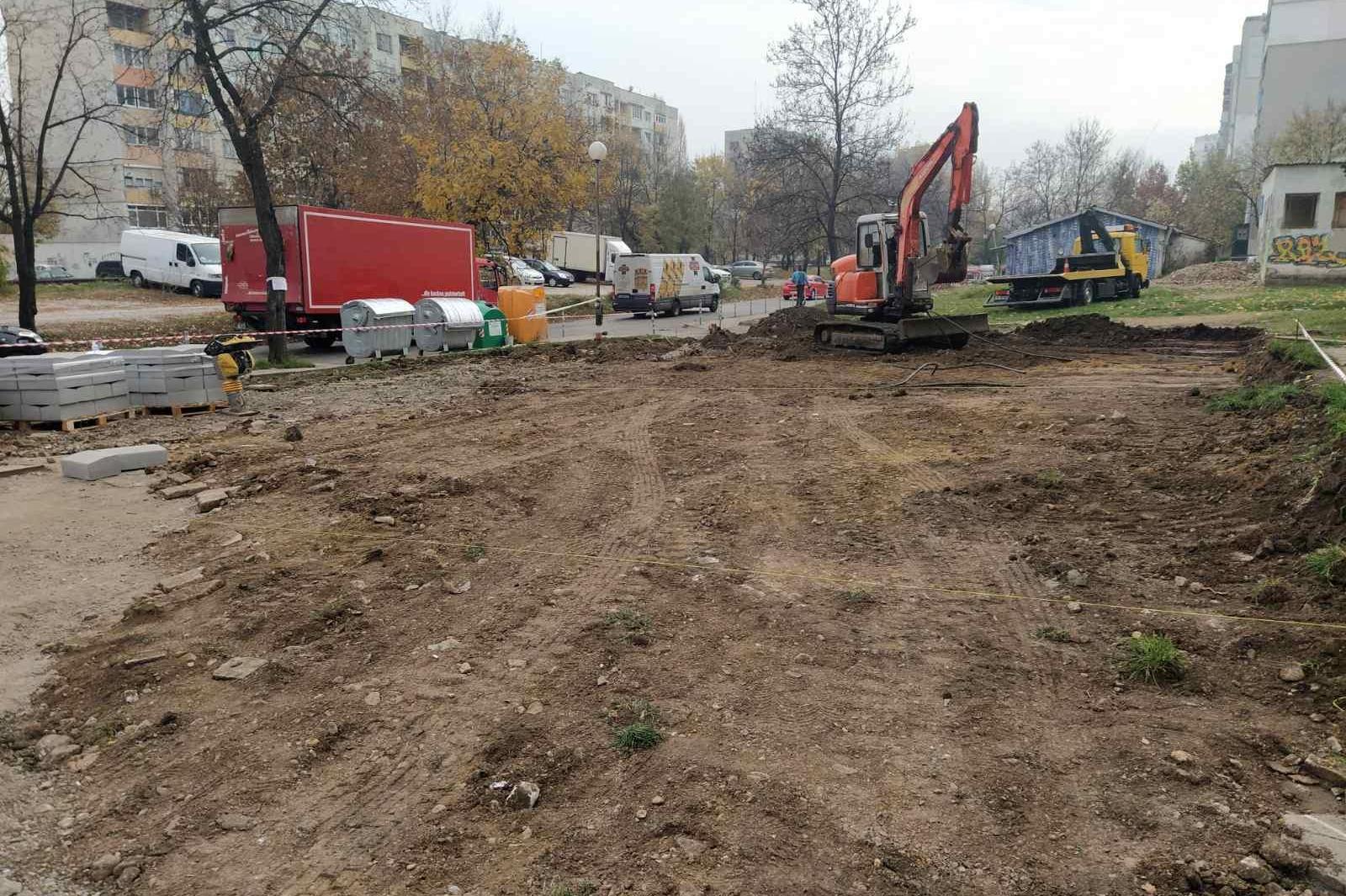 """Столична община превърна """"кална точка"""" в зелена градина до бл. 137 в Красна"""