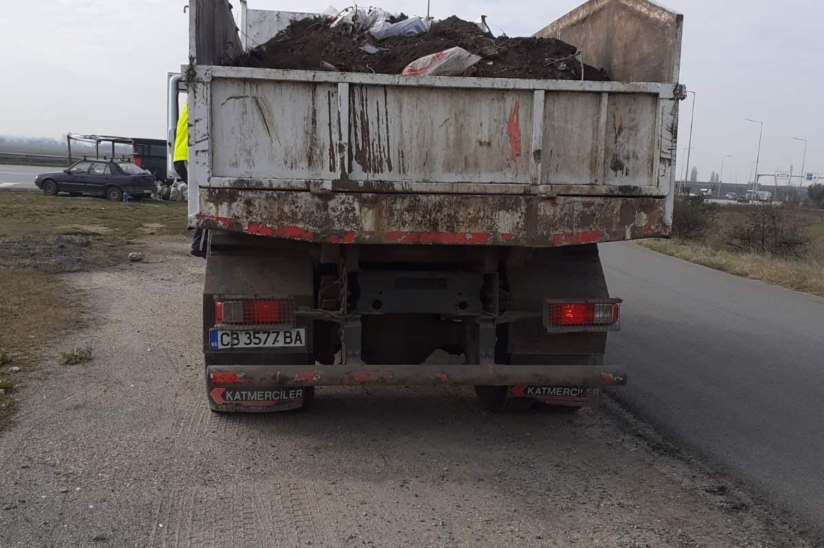"""Трима шофьори на тежкотоварни камиони бяха глобени на бул. """"Ботевградско шо"""