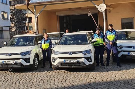 """""""Общинска полиция"""" в София вече разполага с нови 5 високопроходими автомоби"""