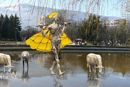 Уникална композиция на Павел Койчев ще оживее във водното огледало в Южния
