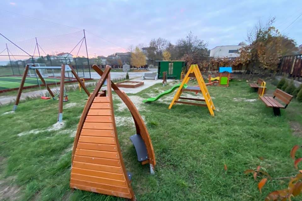 За децата на Подгумер: Направени са нова площадка и зона за спорт
