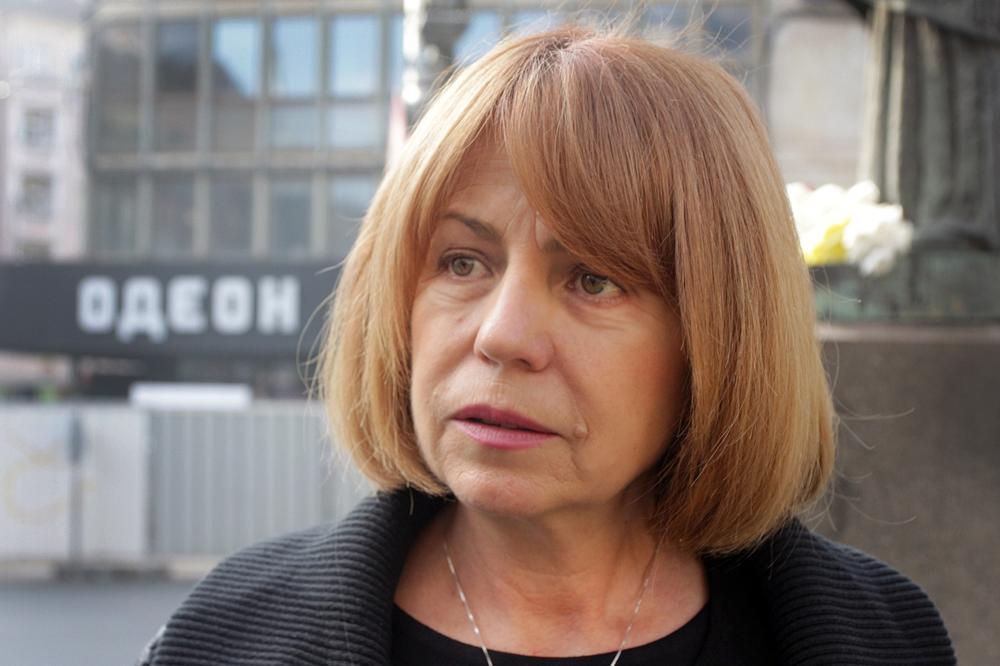 """Кметът на София: """"Трябва да се мисли за поетапно връщане на учениците в учи"""