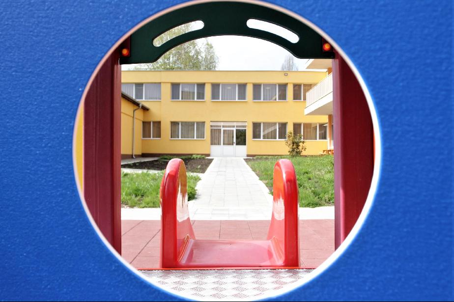 В София ще работят 2 дежурни градини за децата на медици