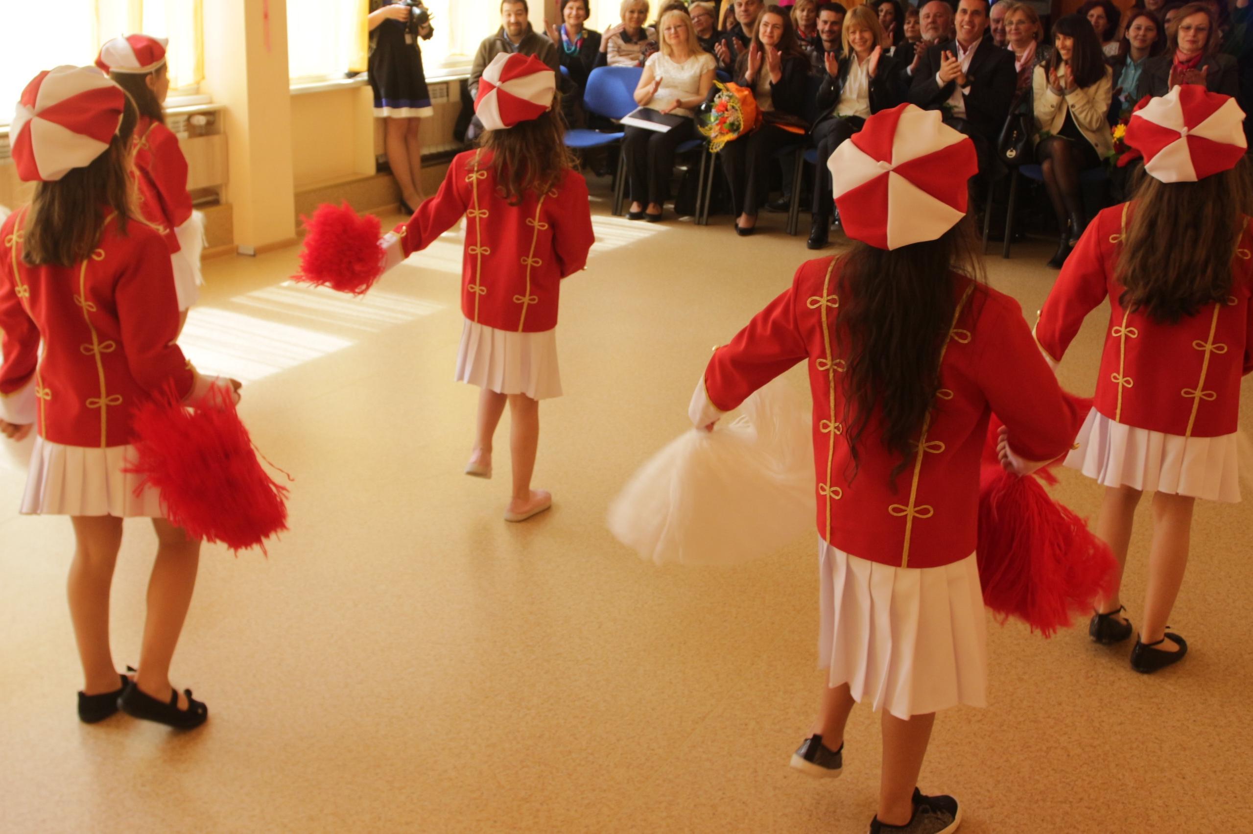 """В """"Ив. Вазов"""" и """"Дружба 1"""" откриват детски  кът за почасова грижа на деца н"""