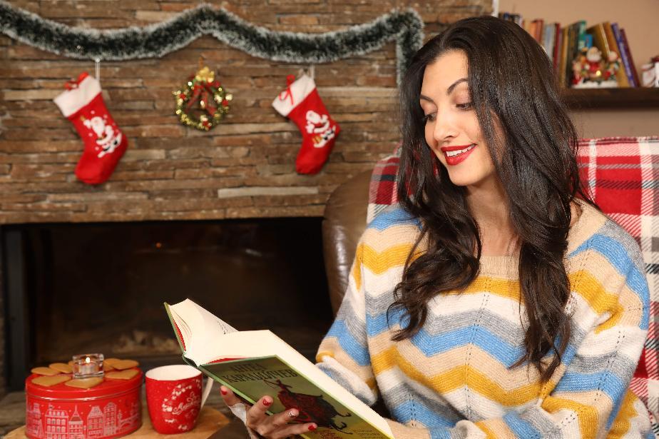 Актрисата Мира Котева чете благотворително приказки за деца, настанени в со
