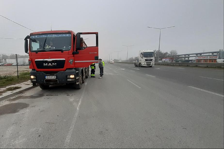 249 проверки през ноември за мръсни камиони в 6 района на София