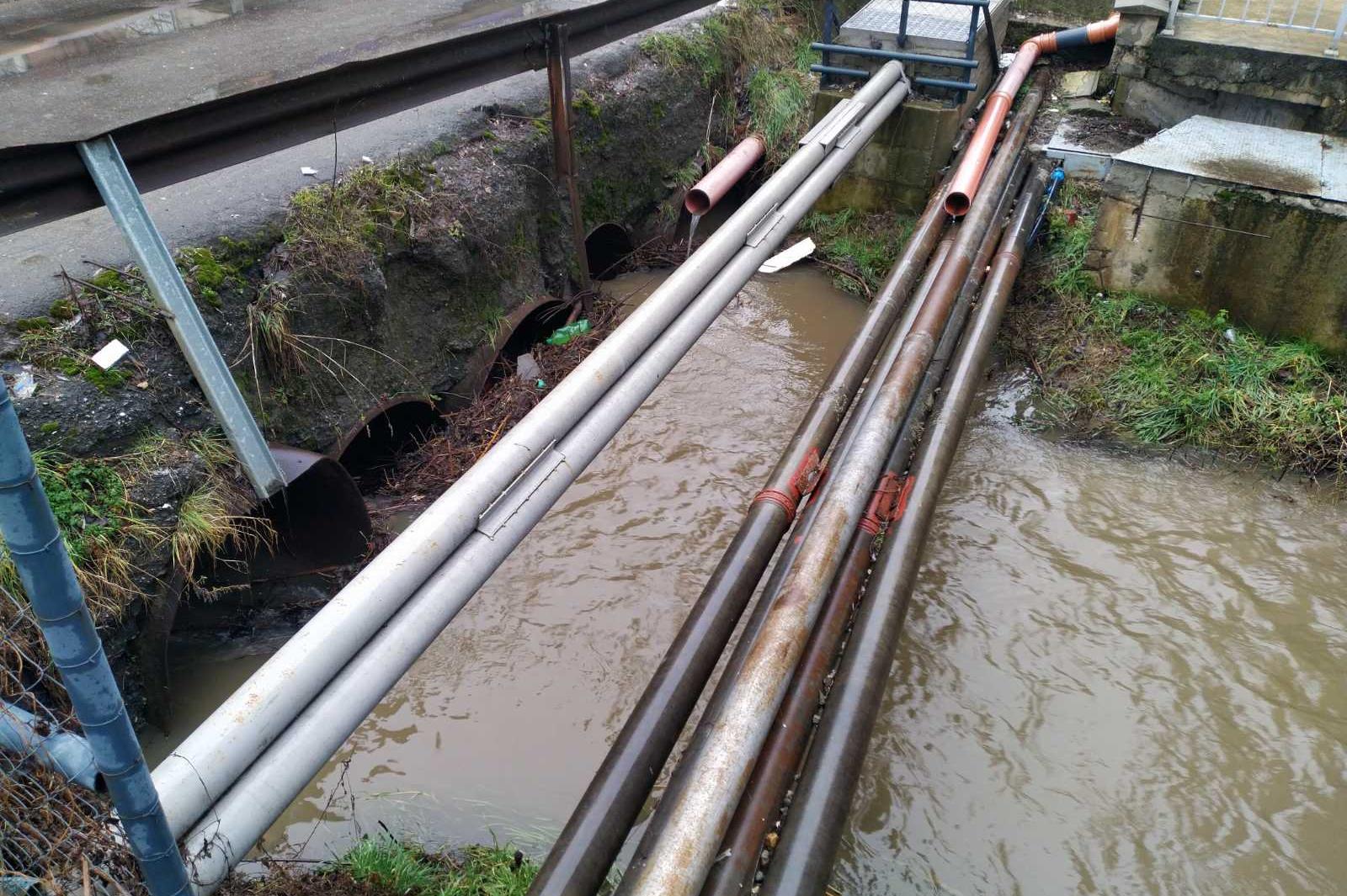 Проверяват състоянието на мостовете и подлезите в Триадица (СНИМКИ)