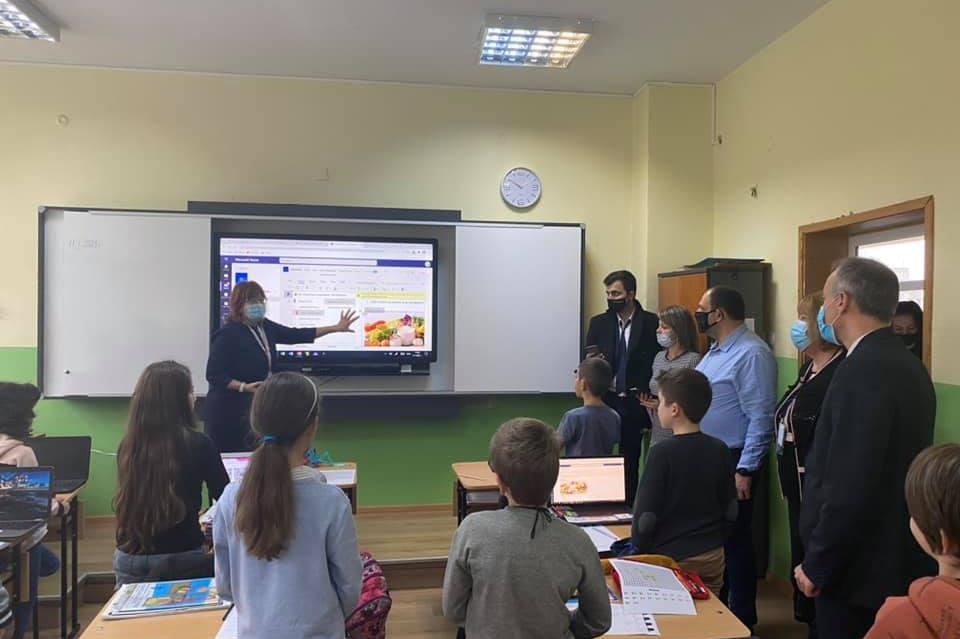 Изграждат Център по точни науки и инженерство в 122 ОУ Николай Лилиев