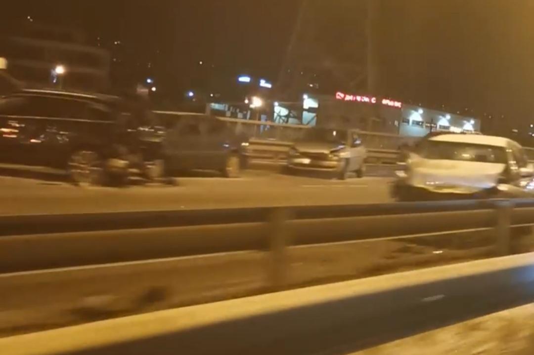 Двама души са пострадали при верижната катастрофа на Симеоновско шосе