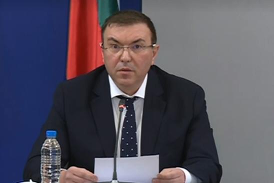 Здравният министър: На 18 февруари отварят моловете и заведенията