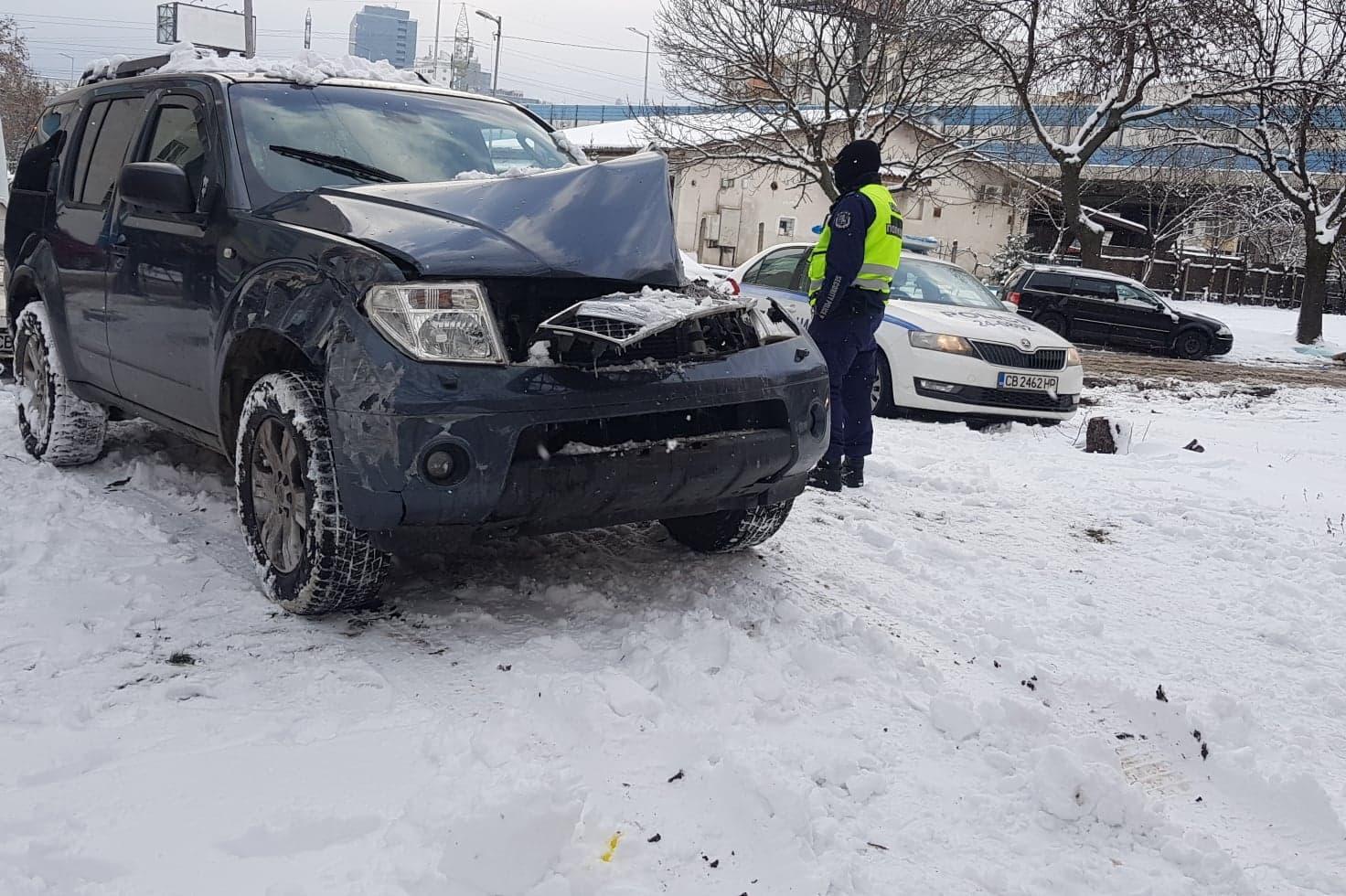 """Шофьорът, забил джипа си в блок в """"Дружба""""-с 2,51 промила в кръвта"""