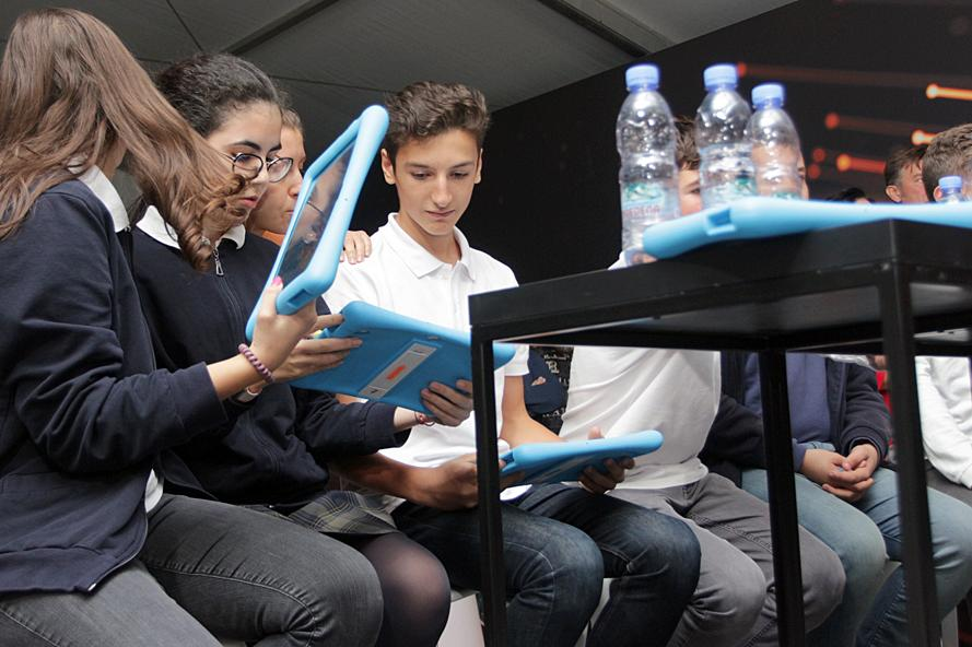 Електронна карта сменя купона в училищните столове в Младост
