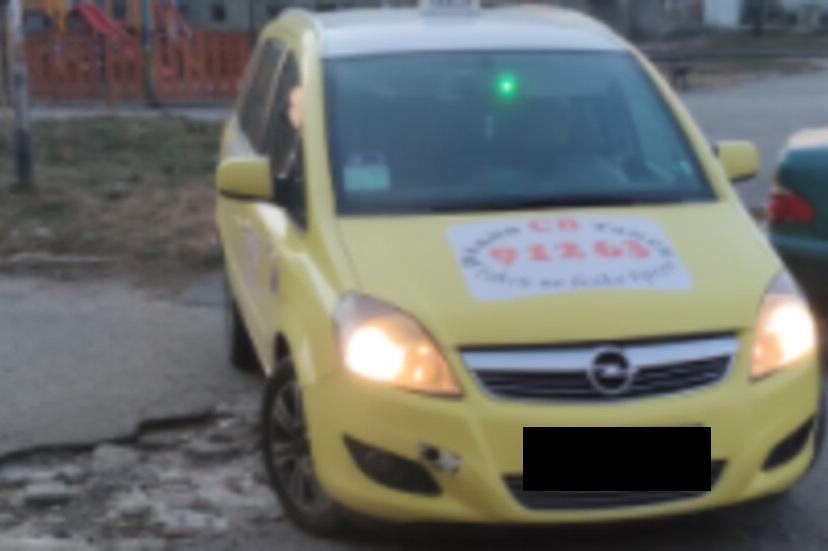 Глобяват шофьор на такси, карал през детска площадка в Бенковски