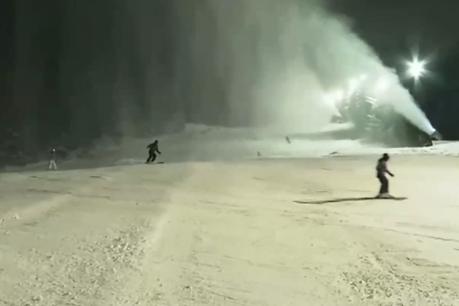 """Нощно каране на """"Витошко лале"""" откри ски сезона"""