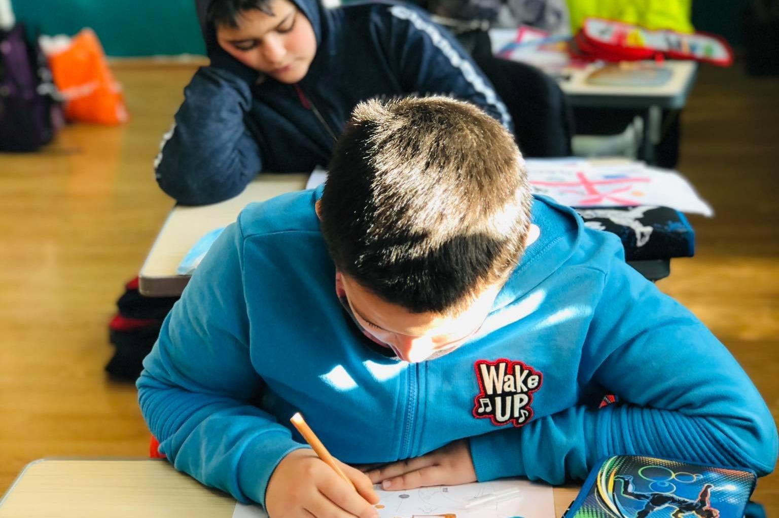"""Децата от 172 ОУ """"Христо Ботев""""рисуват своята 2021 година"""