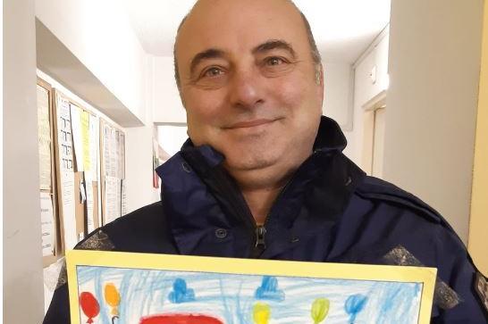 Детски рисунки зарадваха героите на Надежда (СНИМКИ)