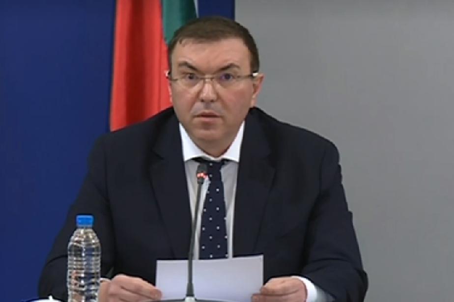 Здравният министър: Излекуваните са пъти повече от потвърдените с COVID-19