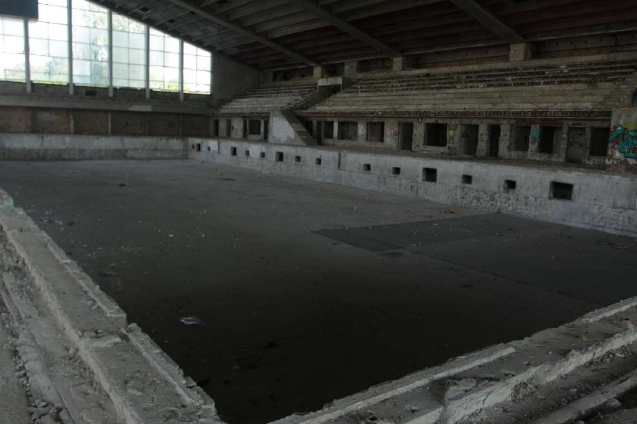 """ММС спасява 2 басейна на """"Червено знаме"""", изграждат многофункционална зала"""