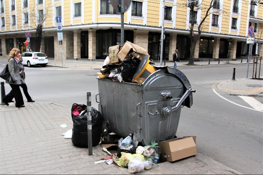 """Събират се едрогабаритните отпадъци в """"Славия"""" и """"Лагера"""""""
