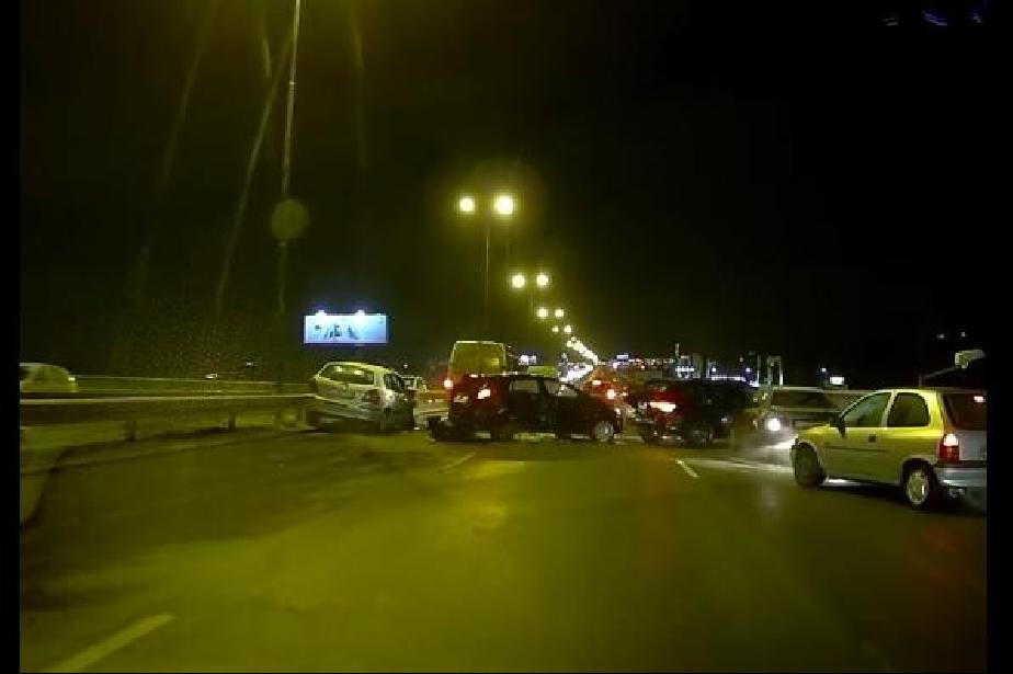 Видео на верижната катастрофа на Околовръстното при Симеоновско