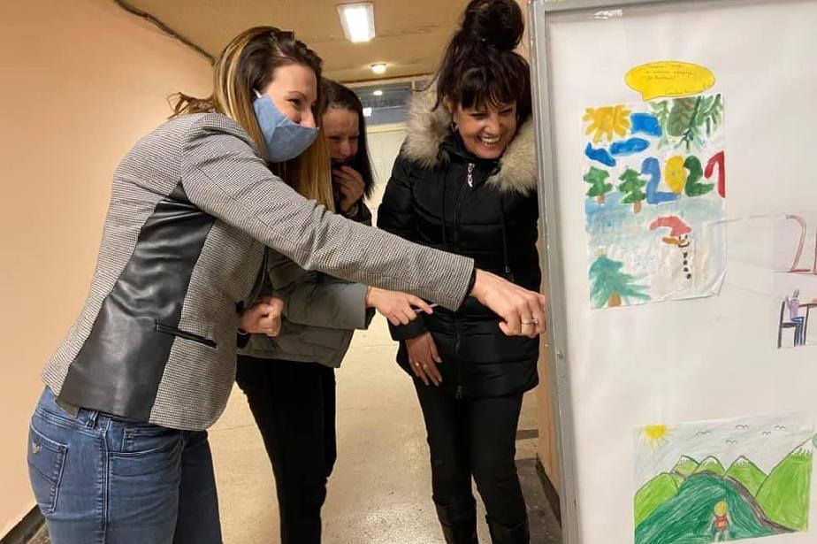 Нарисувани детски мечти украсиха общината в Нови Искър