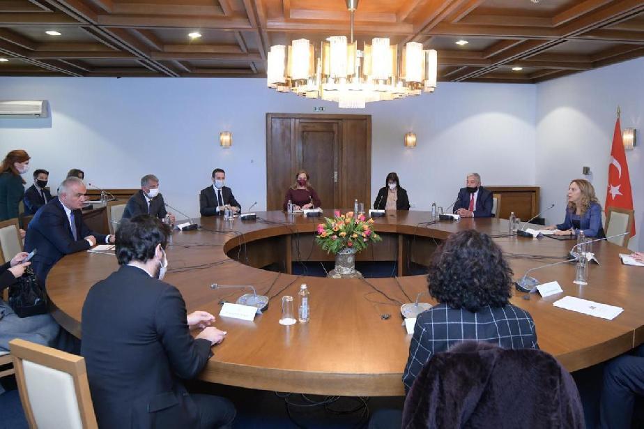 Министърът на туризма Николова посрещна в София турския си колега