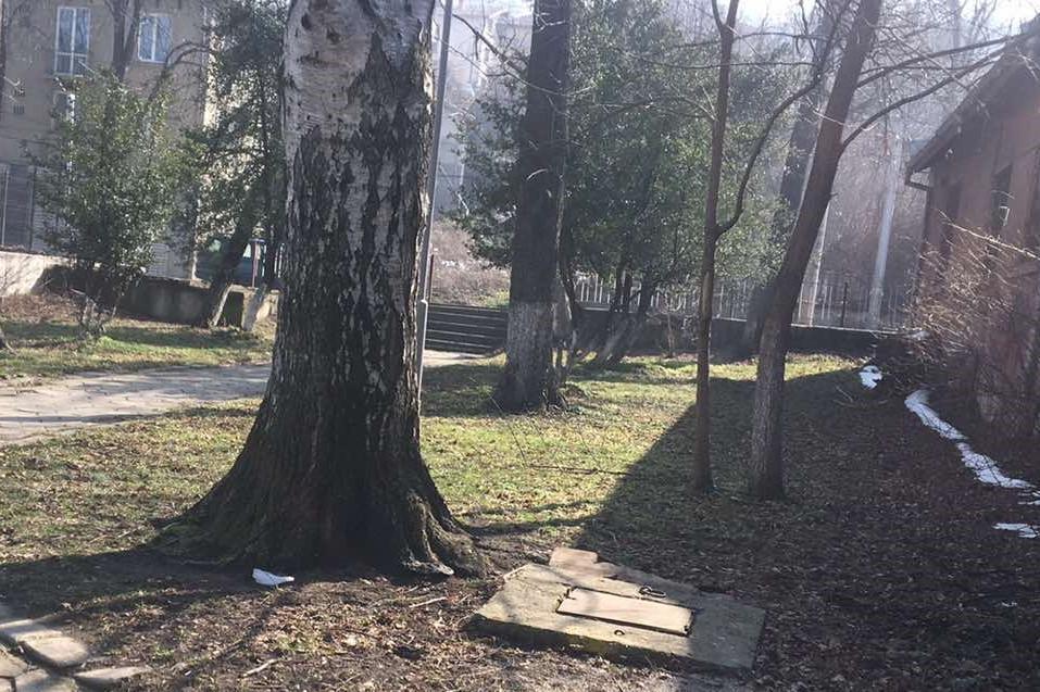 Почистиха замърсените площи до чешмите с минерална вода в Княжево (СНИМКИ)