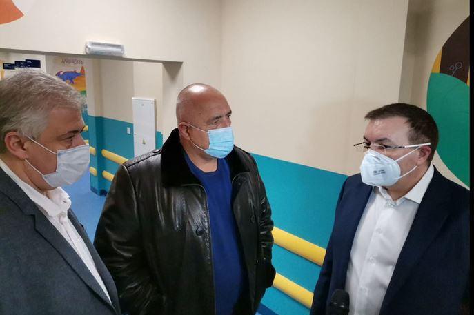 """Здравният министър на инспекция в """"Пирогов"""""""