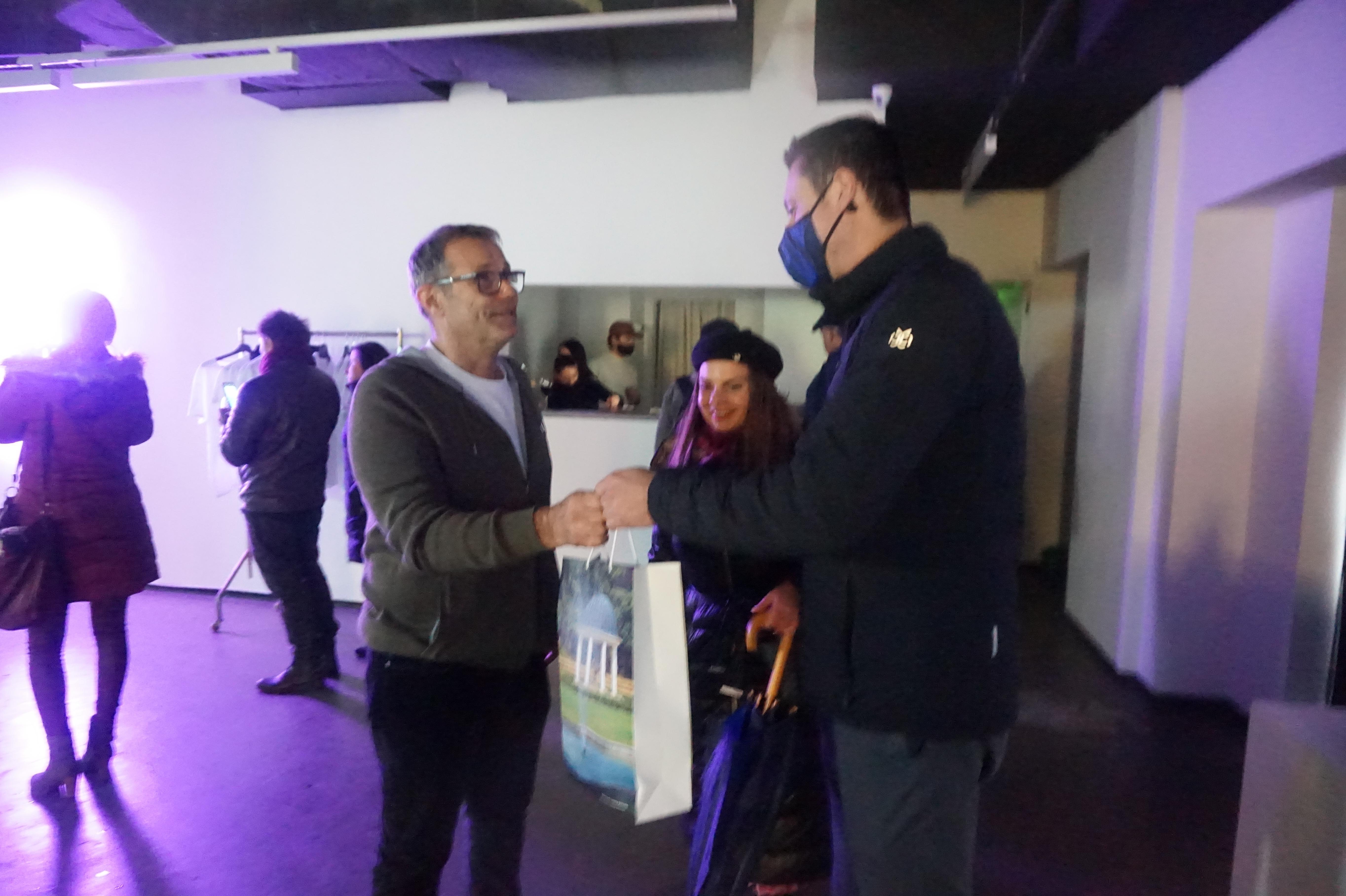 Кметът на Банкя посети изложбата на ректора на НХА