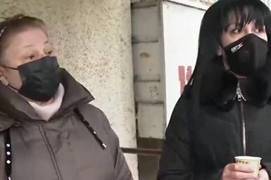 """Жители на """"Хиподрума"""" твърдят: Във входа ни работи незаконна детска ясла"""