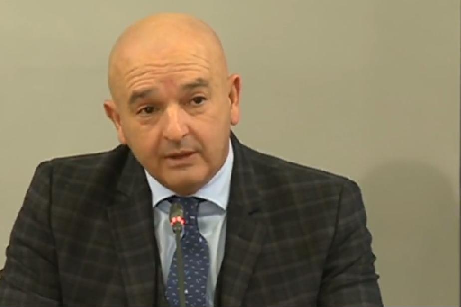 """Ген. Мутафчийски: Има изчерпване на леглата за COVID-19 във ВМА, """"Пирогов"""""""