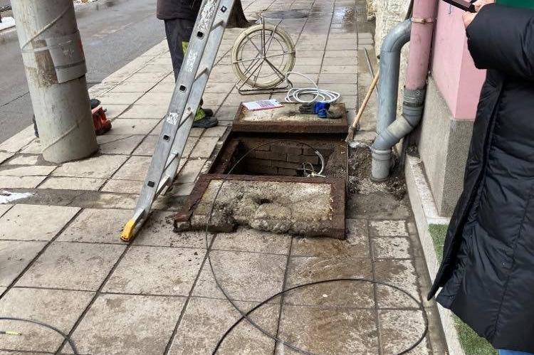 """Столичен инспекторат провери манипулация в шахта на ул. """"Алабин"""""""