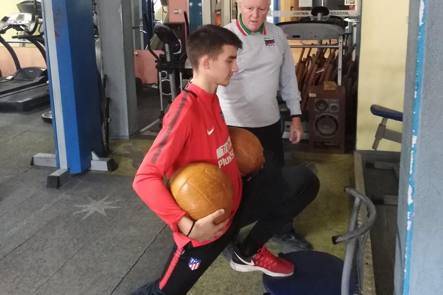 Проф. Кирил Аладжов: За да спортува детето ви, важен е личният пример