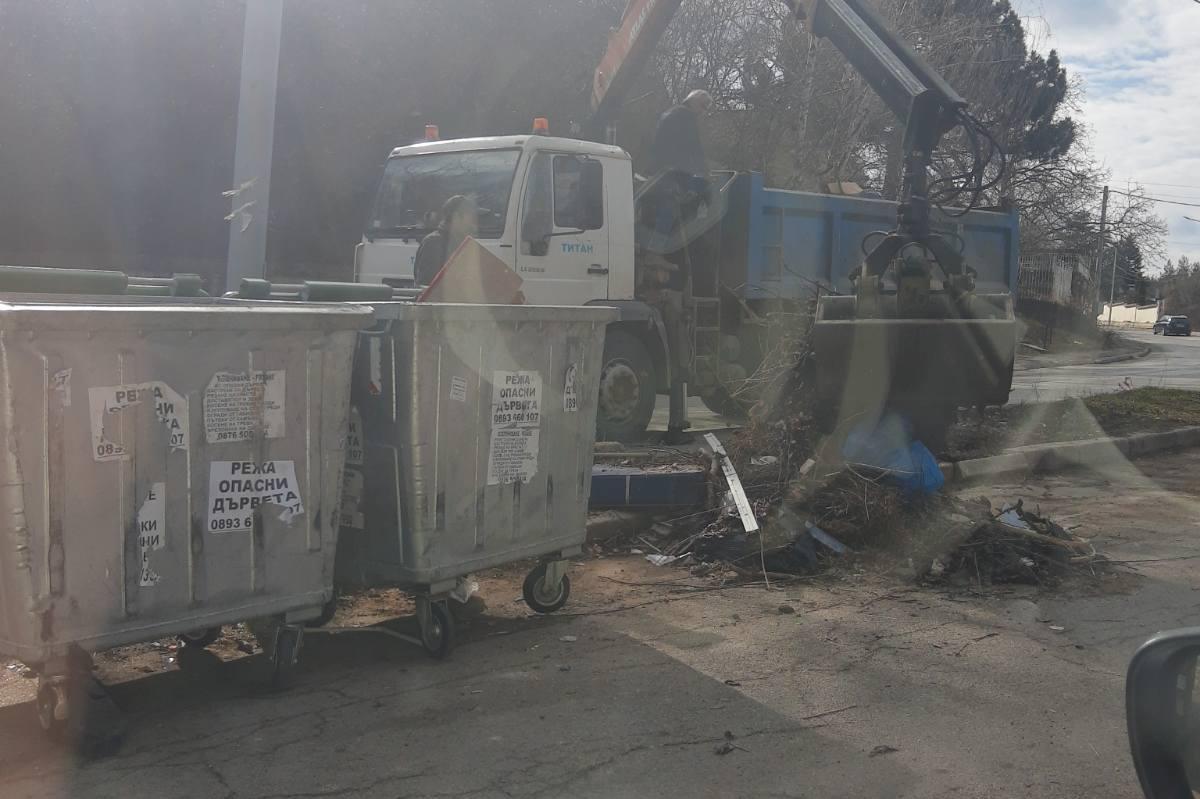 """Събрани и извозени са отпадъците от """"Беловодски път"""", оставени след почиств"""