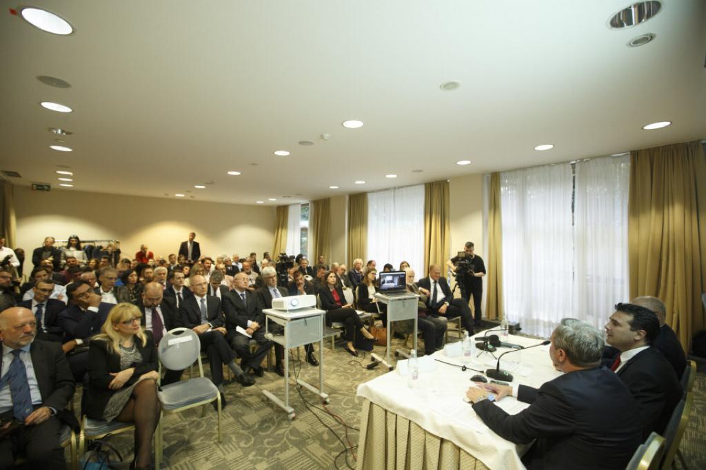 """Каракачанов към Скопие: Не търсете скандала другаде, при Вас е, """"колеги"""", в"""
