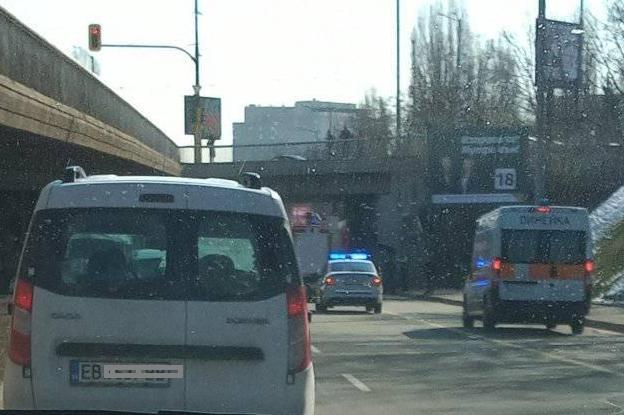 Жена катастрофира преди тунела на НДК, откарана е в болница