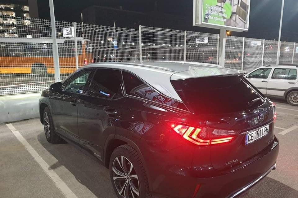 Откраднаха  Lexus от паркинга на столичен мол, собственичката го търси и пр