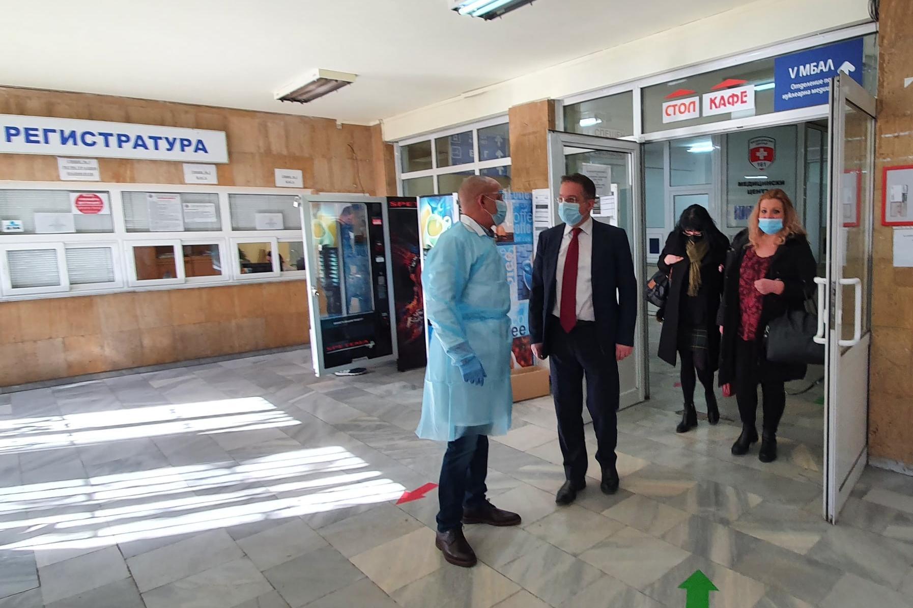 Проверяват общинските болници в София за готовността да посрещнат скока в п