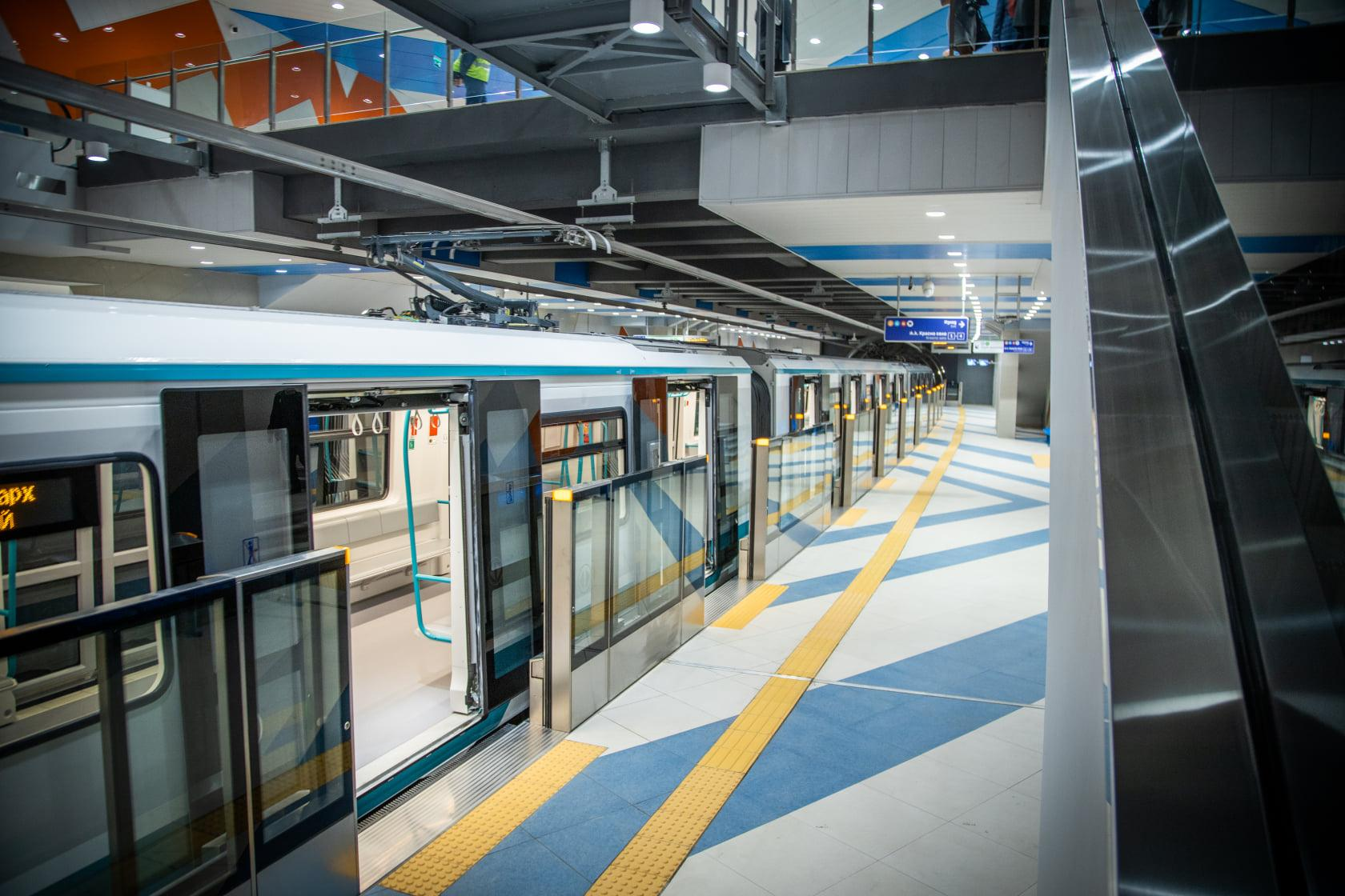 Кметът на София: Новите влакове ще обслужват разширенията на метрото към По