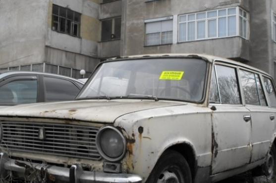 Съкращават се сроковете по проверка, стикиране и премахване на стари коли о