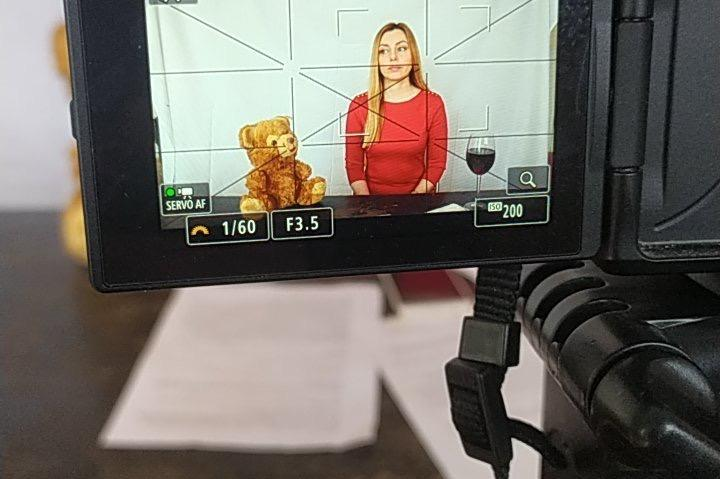 """Актриси от 8 държави излизат на онлайн сцената във """"Виктория"""" на Йордан Сла"""