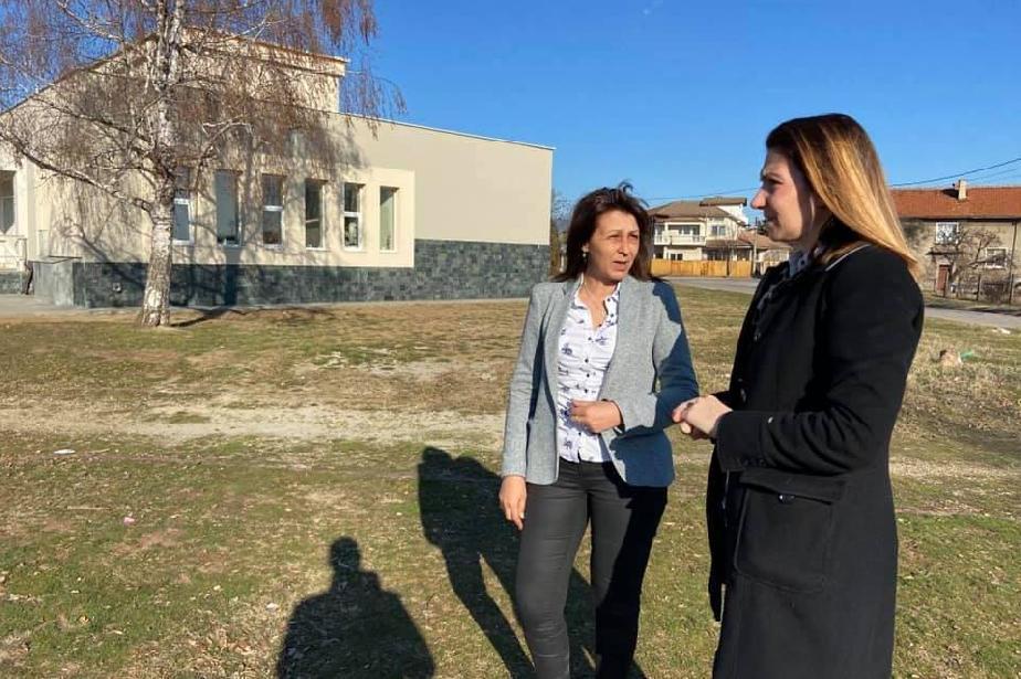 Спечелен проект в Чепинци: Ще правят нова детска площадка пред читалището
