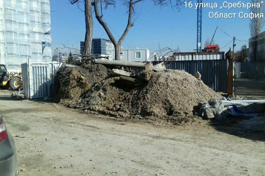 """Глоба за строители от ул. """"Сребърна"""" за разпилени отпадъци и материали"""