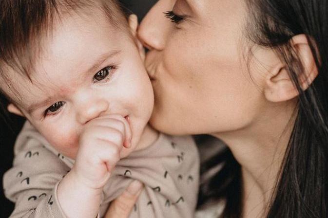 Луиза Григорова шест месеца в ролята на майка (СНИМКИ)