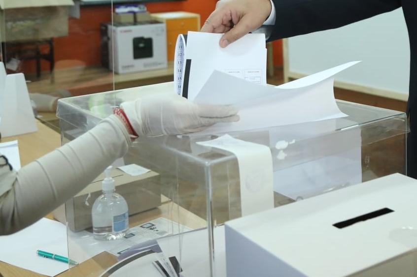 Започна 7-дневния срок за чистене на агитацинони материали в столицата