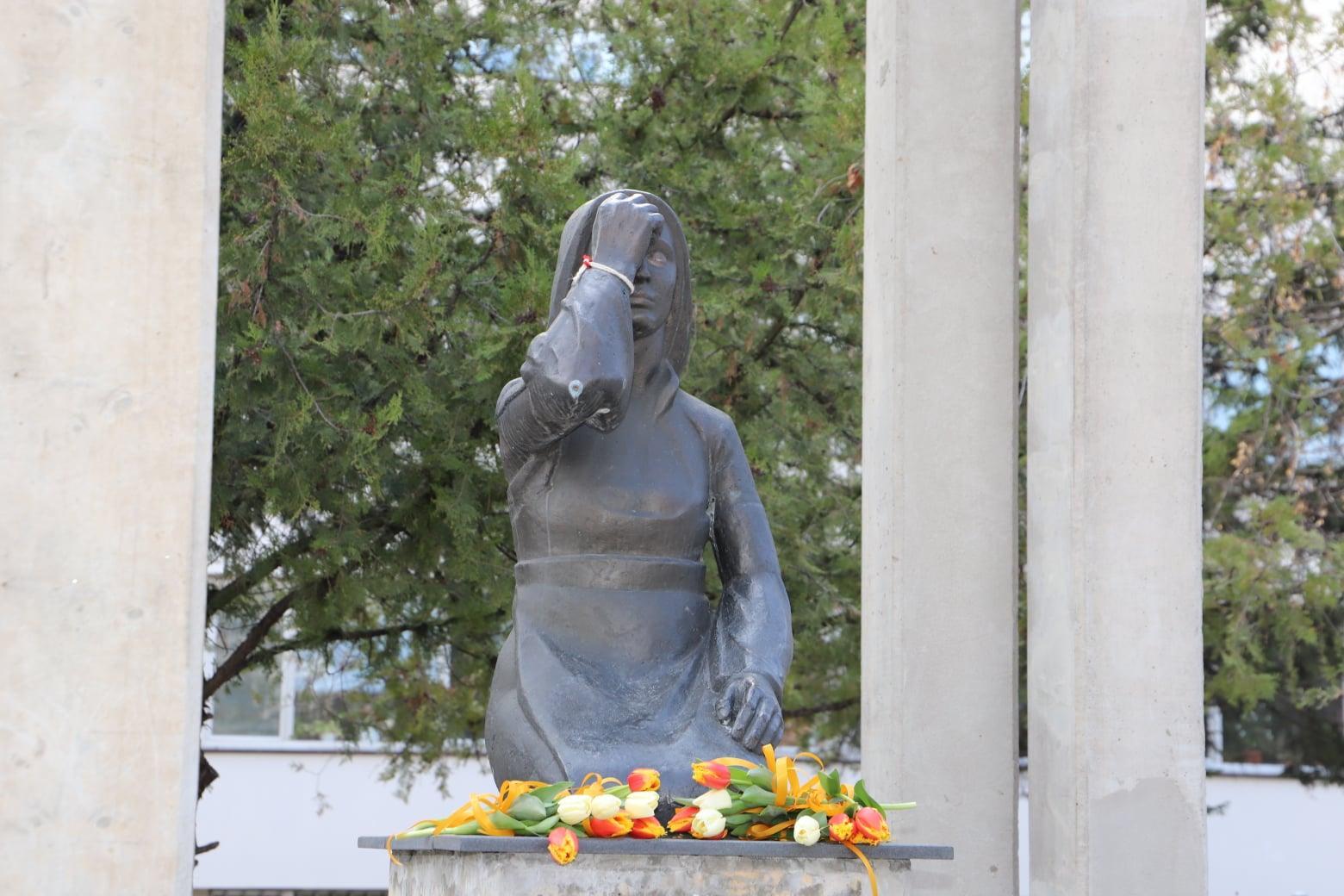 Минута мълчание в памет на починалите от COVID-19 медици в София и страната