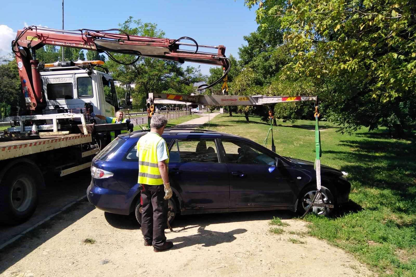 Столичен инспекторат санкционира над 70 водачи за неправилно паркиране
