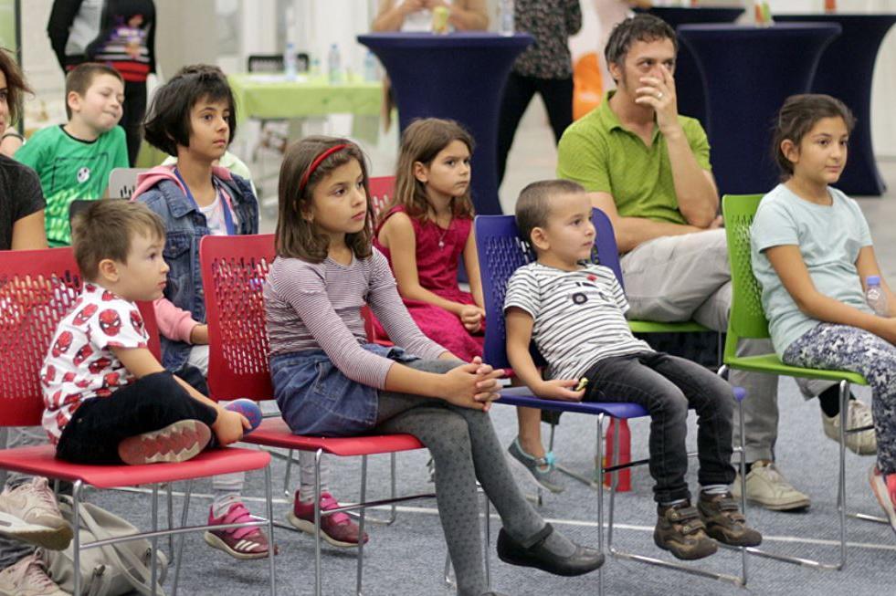 Над 1000 родители искат децата им да останат на онлайн обучение в София