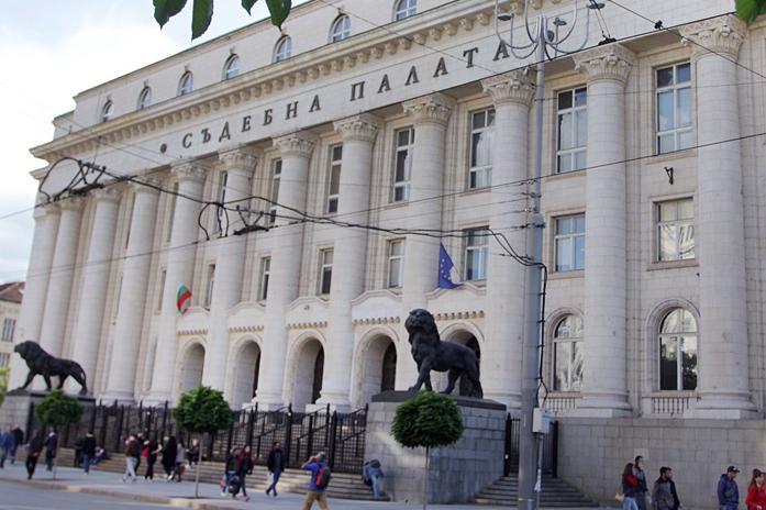 Софийски градски съд остави в ареста 56-годишния мъж, който уби жена си